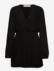 Ivyrevel - BALLOON SLEEVE DRESS - robes portefeuille - black - 0