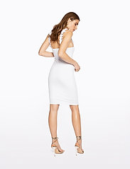 Ivyrevel - FRILL SHOULDER RIB DRESS - lyhyet mekot - cold white - 3