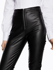 Ivyrevel - FAUX LEATHER TROUSERS - lederhosen - black - 4