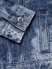 Ivyrevel - ACID WASH DENIM JACKET - vestes en jean - blue acid wash - 7