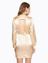Ivyrevel - V NECK DRAPY DRESS - lyhyet mekot - gold - 3