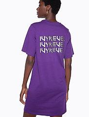 Ivyrevel - IVY TSHIRT DRESS - midi dresses - purple - 0
