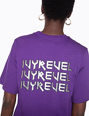 Ivyrevel - IVY TSHIRT DRESS - midi dresses - purple - 4
