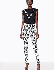 Ivyrevel - HIGH WAIST STIRRUP PANTS - leggings - zebra print - 3