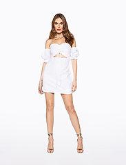 Ivyrevel - DRAWSTRING PUFF SLEEVE DRESS - robes moulantes - cold white - 3