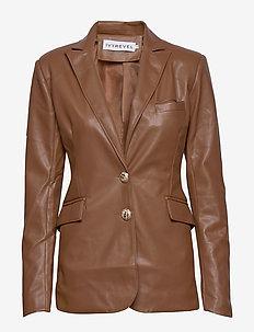 SLIM BELTED PU BLAZER - leather jackets - cognac