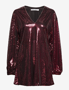 FLOWY SEQUIN DRESS - BURGUNDY