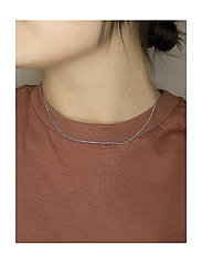 Izabel Camille - Anker - dainty necklaces - shiny silver - 1