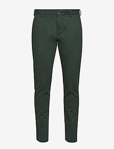 SALTWATER STRETCH CHINO - DARKEST SPRUCE