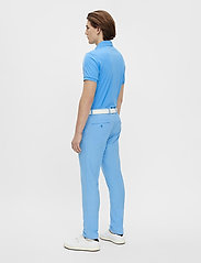 J. Lindeberg Golf - Tour Tech Slim Fit Golf Polo - kurzärmelig - ocean blue - 4