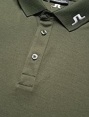J. Lindeberg Golf - Tour Tech Slim Fit Golf Polo - kurzärmelig - thyme green melange - 8