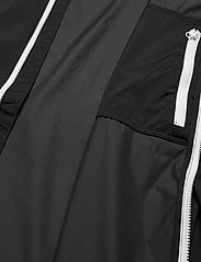 J. Lindeberg Golf - Ash Light Packable Golf Jacket - golf-jacken - black - 5