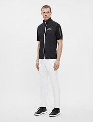 J. Lindeberg Golf - Ash Light Packable Golf Vest - trainingsjacken - black - 7