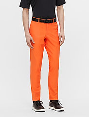 J. Lindeberg Golf - Ellott Golf Pant - trainingshosen - lava orange - 0