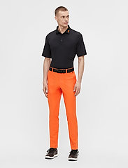J. Lindeberg Golf - Ellott Golf Pant - trainingshosen - lava orange - 6