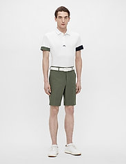 J. Lindeberg Golf - Eloy Golf Shorts - golf-shorts - thyme green - 7