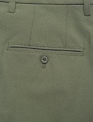 J. Lindeberg Golf - Eloy Golf Shorts - golf-shorts - thyme green - 6