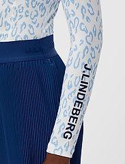 J. Lindeberg Golf - sa Print Soft Compression Top - longsleeved tops - animal blue white - 6