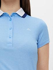 J. Lindeberg Golf - Alve Golf Polo - polos - summer blue melange - 6