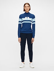 J. Lindeberg Golf - Rosa Golf Sweater - gebreid - midnight blue - 4