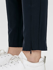 J. Lindeberg Golf - Dana Golf Pant - sports pants - jl navy - 8