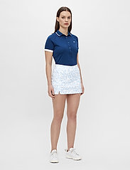J. Lindeberg Golf - Amelie Golf Skirt Print - sports skirts - animal blue white - 5