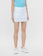 J. Lindeberg Golf - Amelie Mid Golf Skirt Print - sports skirts - animal blue white - 0