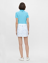 J. Lindeberg Golf - Amelie Mid Golf Skirt Print - sports skirts - animal blue white - 5