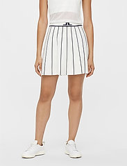 J. Lindeberg Golf - Bay Knitted Golf Skirt - sports skirts - white - 0