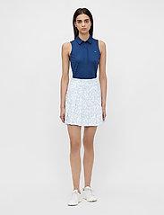 J. Lindeberg Golf - Adina Printed Golf Skirt - sports skirts - animal blue white - 6