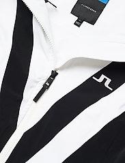 J. Lindeberg Ski - W Wrangell Jkt-Dermizax EV 2L - insulated jackets - black - 5