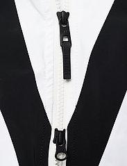 J. Lindeberg Ski - W Wrangell Jkt-Dermizax EV 2L - insulated jackets - black - 7