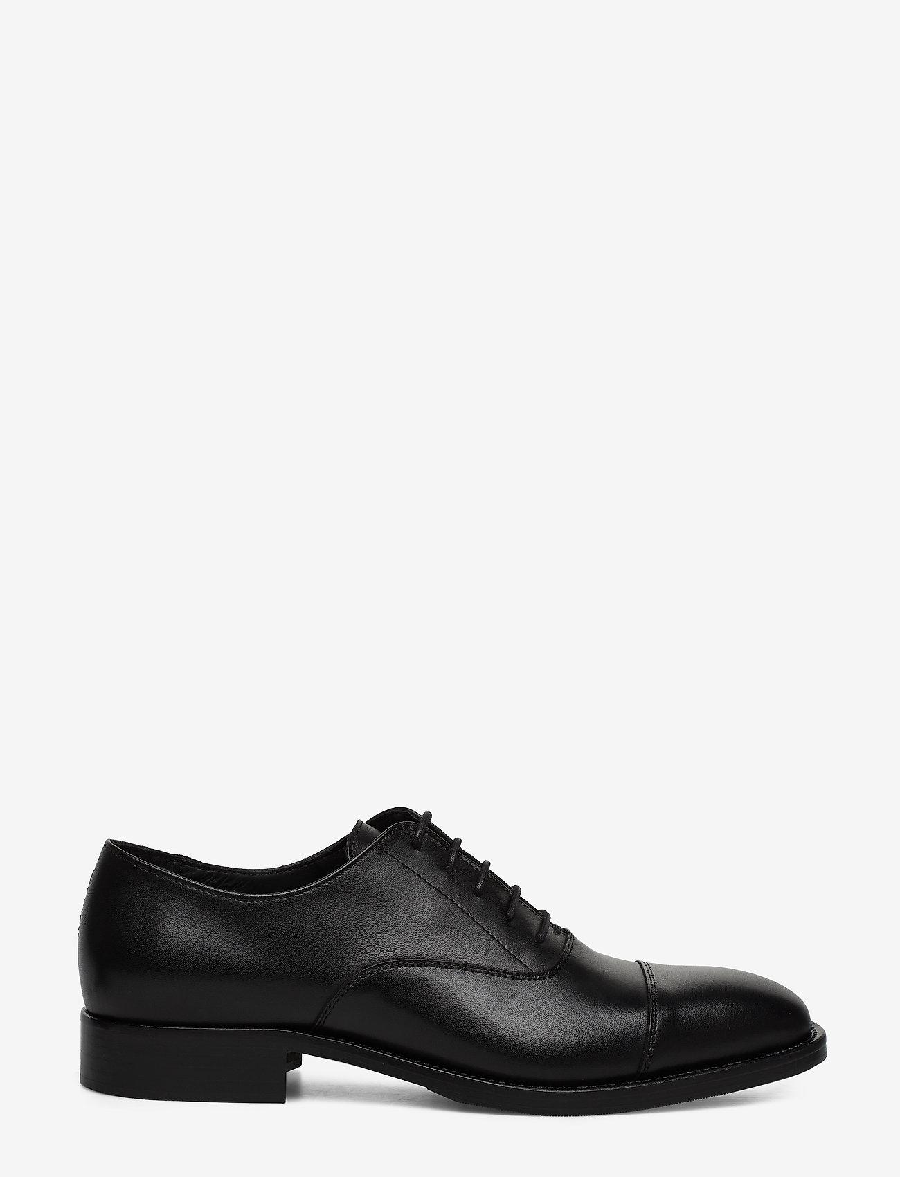 J. Lindeberg - Hopper Cap Toe-Genuine Leather - buty ze skóry lakierowanej - black - 1