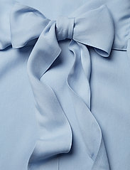 J. Lindeberg - Embla Sheer Crepe - short dresses - ice flow - 3