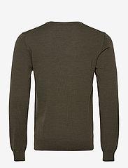 J. Lindeberg - Lymann Merino V-Neck Sweater - v-ausschnitt - moss green - 1