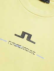 J. Lindeberg - Thrust C-Neck-Ring Loop Sweat - basic sweatshirts - still yellow - 2