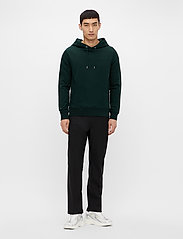 J. Lindeberg - Throw Clean Sweat Hoodie - basic-sweatshirts - hunter green - 4