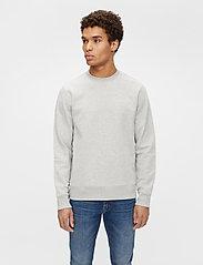 J. Lindeberg - Throw C-neck Sweatshirt - basic-sweatshirts - grey melange - 0