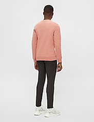 J. Lindeberg - Throw C-neck Sweatshirt - basic-sweatshirts - rose coppar - 3
