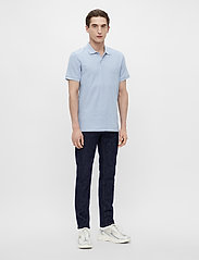J. Lindeberg - Troy Polo Shirt Seasonal Pique - kurzärmelig - spring blue melange - 4