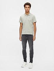 J. Lindeberg - Miles Jersey Polo Shirt - kurzärmelig - mid grey - 4