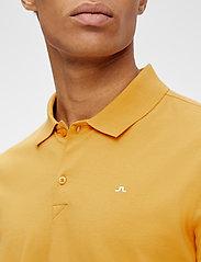 J. Lindeberg - Rubi Slim Polo Shirt - kurzärmelig - golden orange - 5