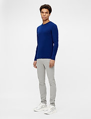 J. Lindeberg - Newman Merino Crew Neck - basic-strickmode - midnight blue - 4