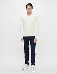 J. Lindeberg - Andy Structure C-Neck Sweater - basic-strickmode - cloud white - 4