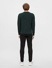 J. Lindeberg - Andy Structure C-Neck Sweater - basic-strickmode - hunter green - 3