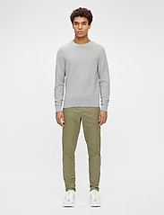J. Lindeberg - Andy Structure C-Neck Sweater - basic-strickmode - stone grey melange - 4