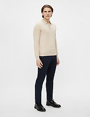 J. Lindeberg - Rowan Cotton Silk LS Polo - langärmelig - sand grey - 4