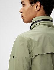 J. Lindeberg - Alph Mech Stretch jacket - leichte jacken - lake green - 5