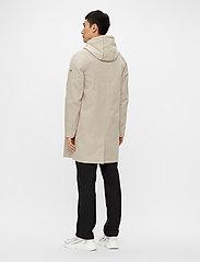 J. Lindeberg - Cane Micro Twill Coat - manteaux legères - sand grey - 3