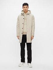 J. Lindeberg - Cane Micro Twill Coat - manteaux legères - sand grey - 4